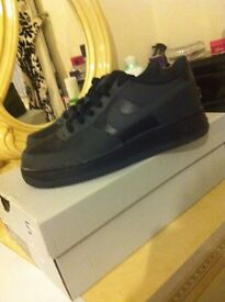 BRAND NEW WITH BOX NIKE AIR FORCE BLACK SIZE 5