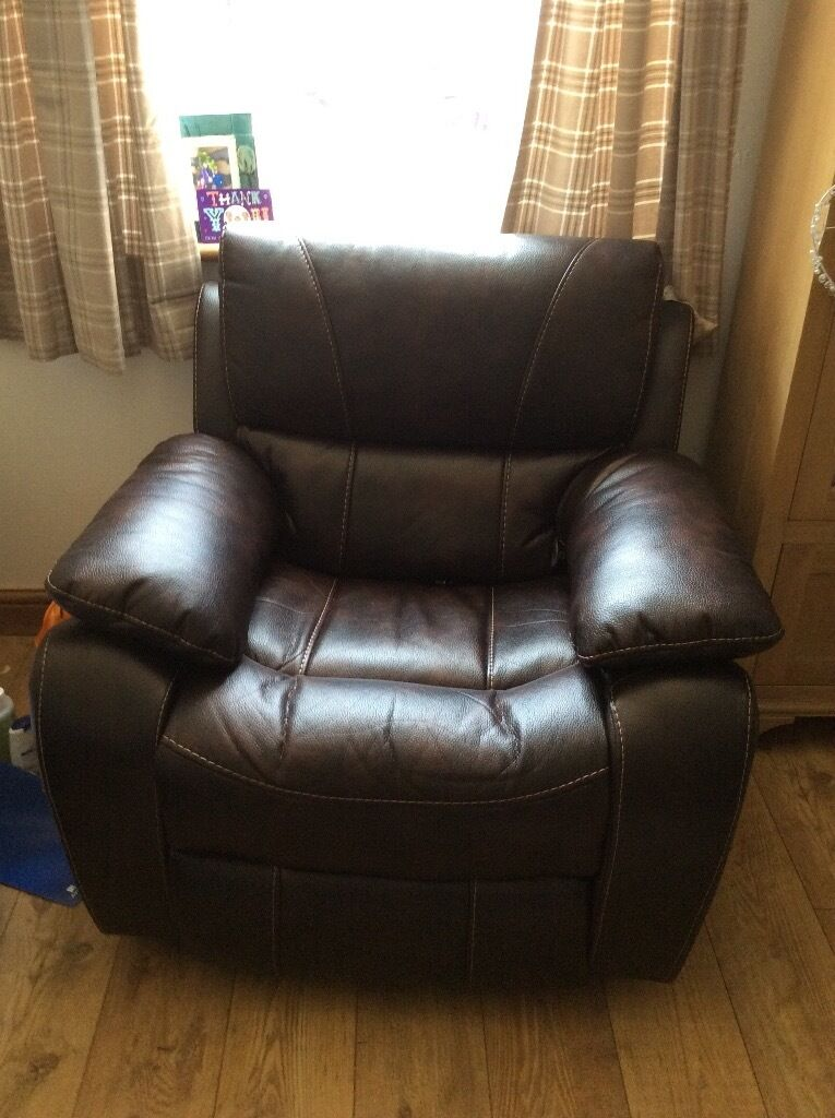 2 x electric armchair recliners, excellent condition, still within the 5 year warranty