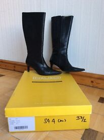 Boots by Dou specialist calf fitting ladies boots.