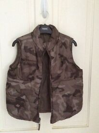Boys reversible gillet age 4-5 great condition collect Sprowston or meet at Riverside