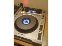 Pioneer CDJ-850 DJ Decks (Pair) Silver and DJM 250 mixer