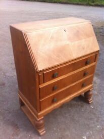 Amazing vintage solid oak bureau in fantastic condition