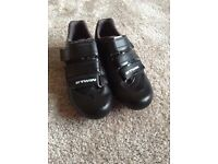 Boys BTWIN cycling shoes size 4