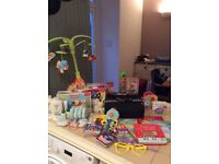 BABY JOB LOT : baby mobile/baby toys/baby books/baby travel eating seat