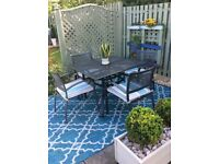 GARDEN TABLE, CHAIRS & LARGE RUG