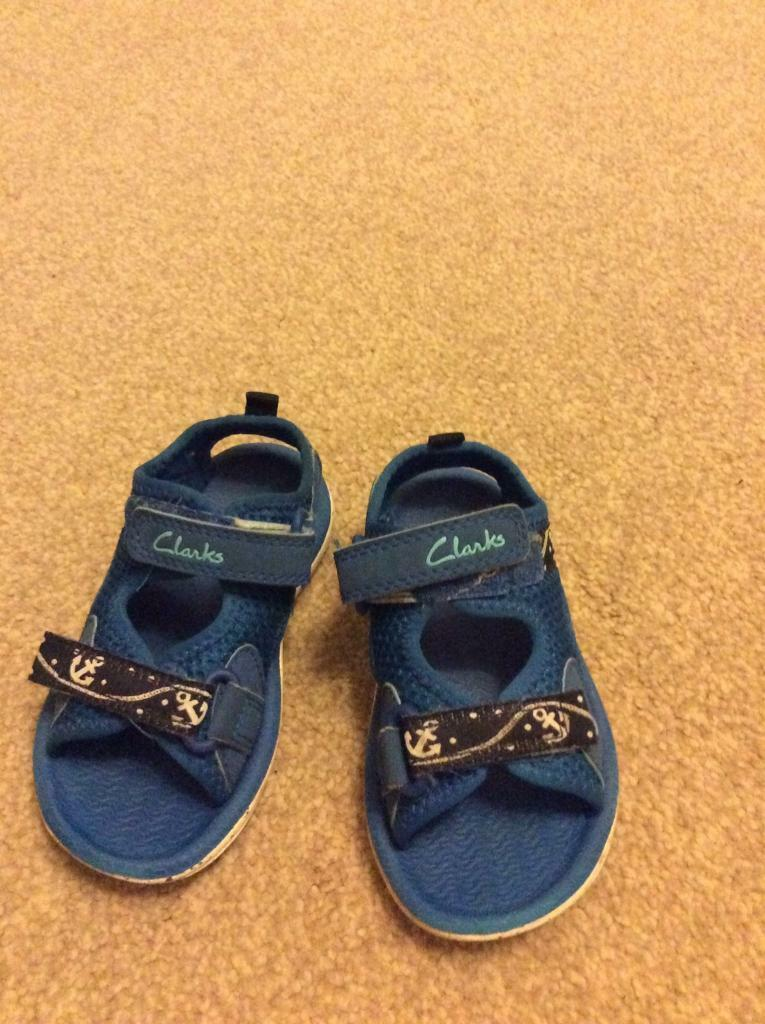 Clarks doodles boys blue sandals size UK 5F