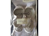 wedding shoes size 7 £7 collection only from didcot from a smoke free home
