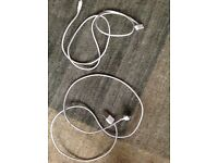 2 older style iPad charging leads