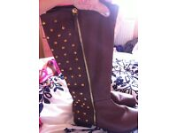 Boots shoes new size 4