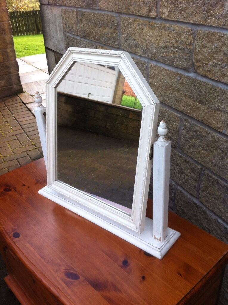 Dresser/bathroom mirrorin Bonnybridge, FalkirkGumtree - Dresser/bathroom mirror, could do with a re paint measures approx 20 inches high x 20 inches wide at the base if you are reading this i still have it click on my other ads and find a bargain