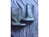 Box of 6 pairs Dunlop safety boots- UK size 6