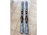 Nearly New Ladies Skis