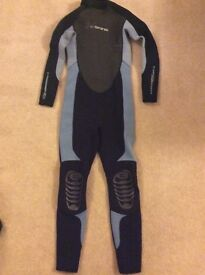 C-SKINS WETSUIT.EXCELLENT CONDITION.