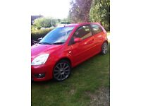 Ford fiesta st 150 red £2400
