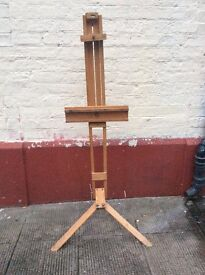 Artist easel : good sturdy condition