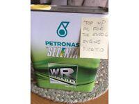 Petronas Selenia engine oil 2litre for the Euro 6 engine sae 0w-30