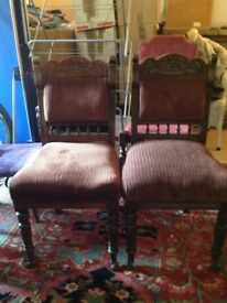 Set of 2 oak dining chairs