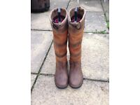 Ladies waterproof Dublin river boots, size 6.