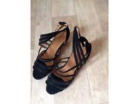 Dance shoes, Latin