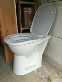 Complete toilet, slow closing seat, for sale, not new