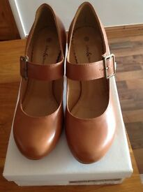 New pair of Mary Jane Style Leather shoes