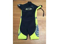 Children's shorty wet suit in excellent condition - Age 3