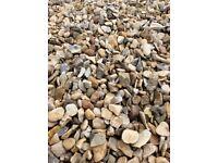 20 mm buff Flint garden and driveway chips/ stones