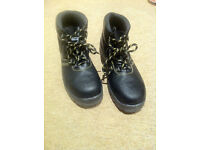 Safety shoes DELTAPLUS JUMPER2 S1P BRAND NEW, WITHOUT BOX. UK8, EUR42