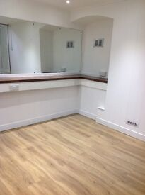 Hair/ beauty Room to rent