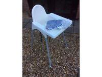 CHILD`S HIGH CHAIR