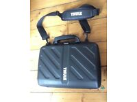 "Thule Gauntlet attaché case for 15"" MacBook Pro £25"