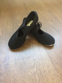 Black tap shoes size 12