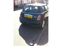 Mini Cooper 1.6 Racing Green 2 White lines on bonnet Looks Fantastic, really