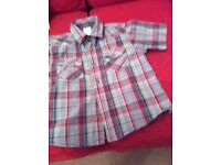 Childs shirt age 5-6 . Excellent condition smoke and pet free home.