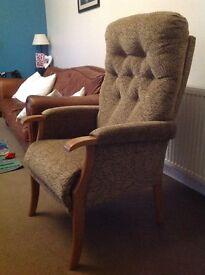 High riser chair