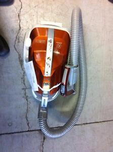 LG LCV700 Kompressor Canister Vacuum Orange_(Parts missing_no stick, no brush)(No Box)