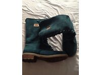 Ladies green ugg boots ,size 7
