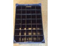 One wine glass and one champagne glass carrier / box