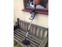 Metal detector. Brand new, never used. Has carrying bag. Unwanted gift. £ 60.00