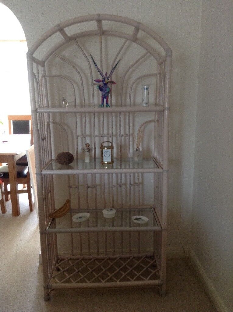 Display unit, bamboo effect, 4 shelves excellent condition