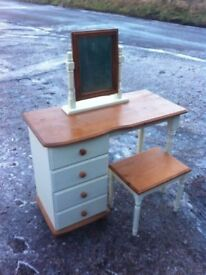 Beautiful pine dressing table with matching mirror and stool