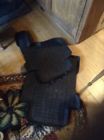Land Rover discovery pair rear floor mats