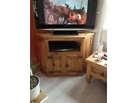 Mexican pine TV unit