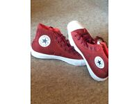 Converse boots New!!