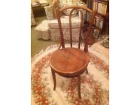 4 Bentwood Chairs in excellent condition