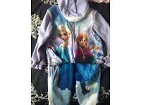 Girls Frozen sleep suit aged 5-6yrs