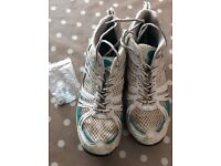 Cricket shoes size 8