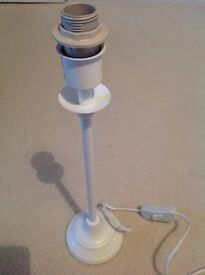 White table lamp base. Excellent condition.