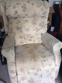 Electrical reclining chair