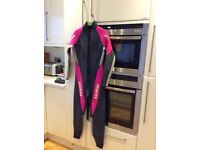 Mares ladies wet suit size 10
